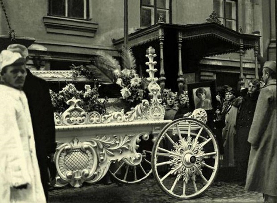 The funeral of Inessa Armand in Moscow