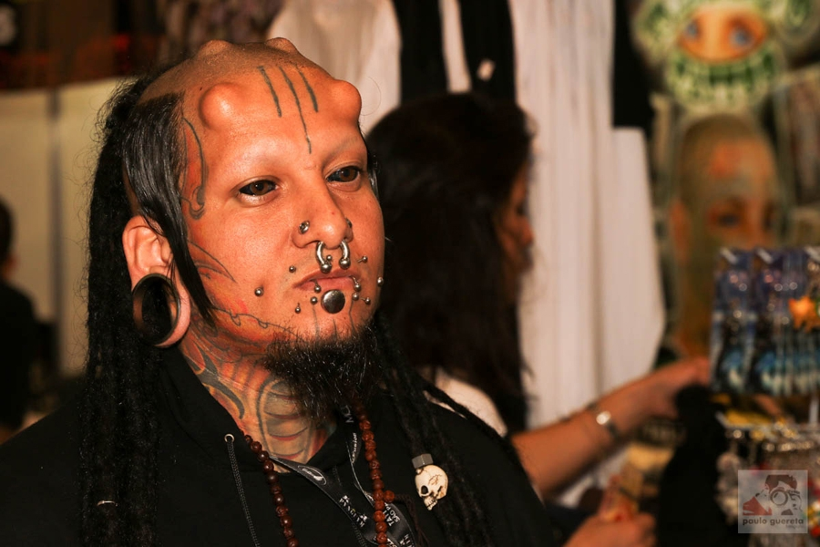 Eyeball tattooing can be very risky