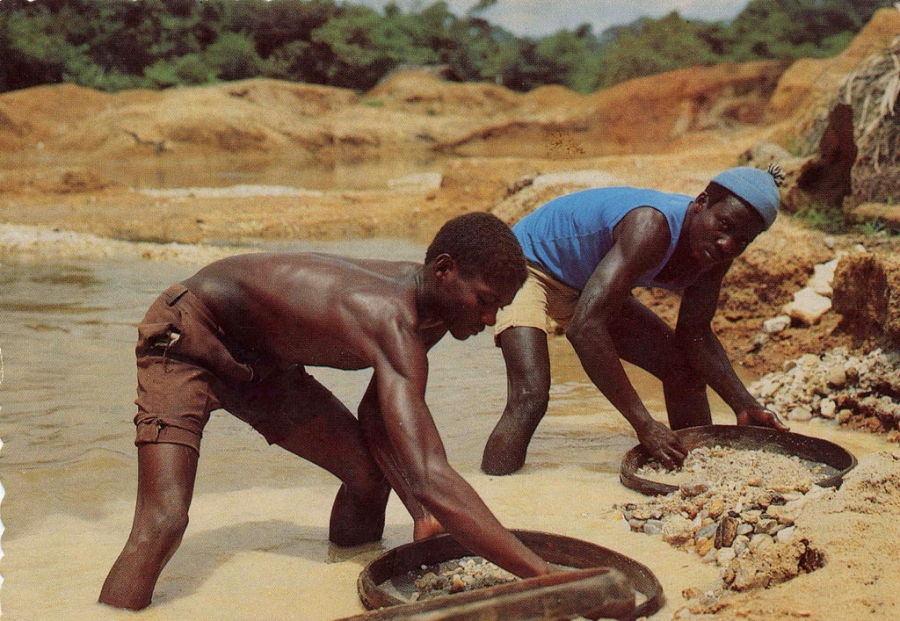 Illicit Diamond Miners