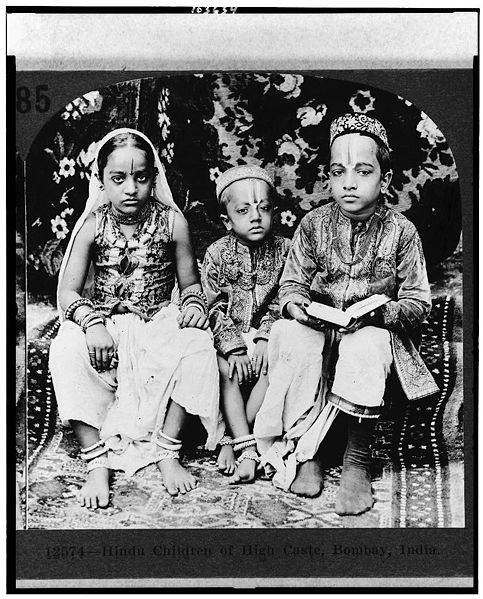 1922 photo of Hindu children of high caste, Bombay. The caste profiling by British weakened Indian society.